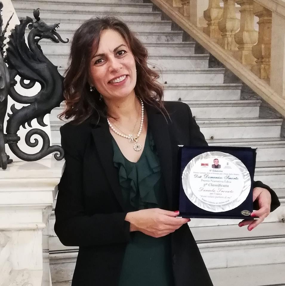 La scrittrice e pianista ritira un premio letterario