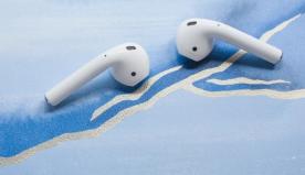 Gli Airpods e la dittatura Apple